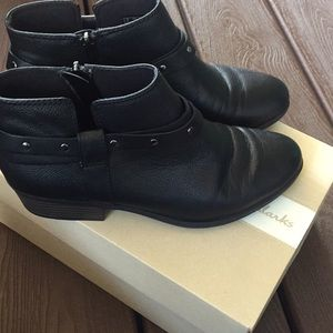 Clarks Addiy Zoie Black Leather Booties
